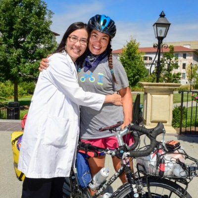 Bicyclist with a mission comes to Emory